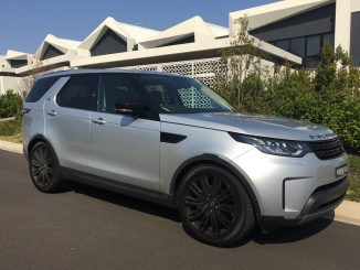 2018 Land Rover Discovery TD6 front