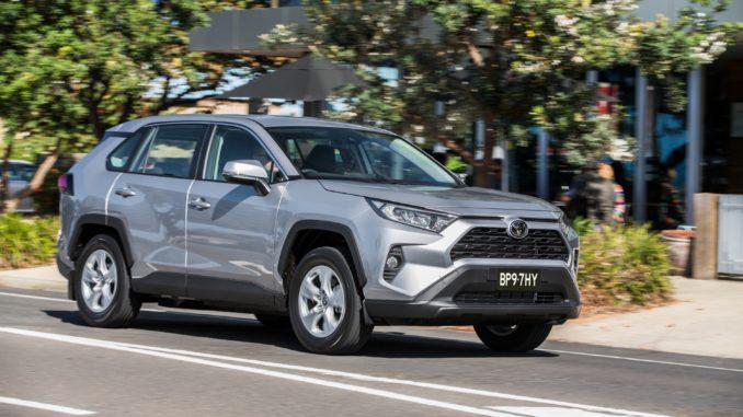 Toyota 2019 RAV4 2WD Hybrid 2