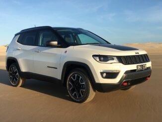 2020 Jeep Compass Trailhawk front qtr